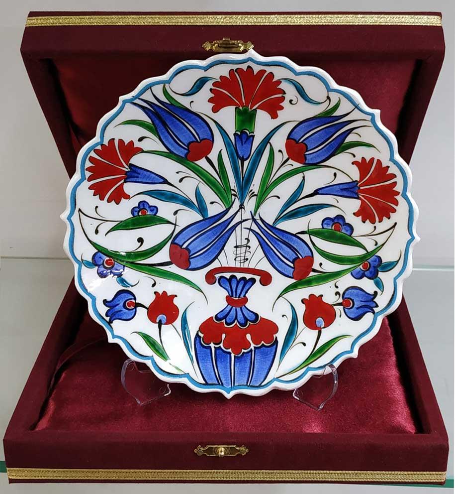 Klasik İznik Desenli Çini Tabaklar Duvara Asmalı Dekoratif Tabaklar  Klasik Desen Samur Fırça iznik ve Kütahya çini Tabak