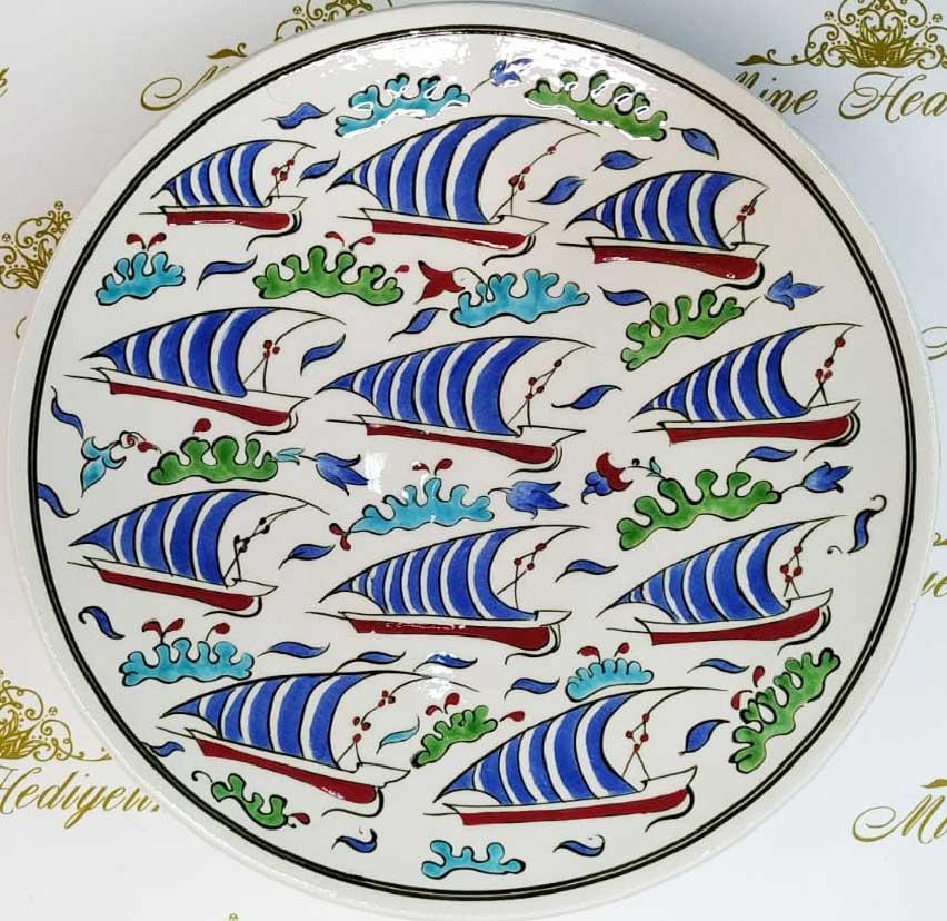 Osmanlı Kalyonlu Gemili İznik Tarzı Çini Tabaklar  Duvar ve Vitrin Süslemesi İçin Dekoratif Hediyeler