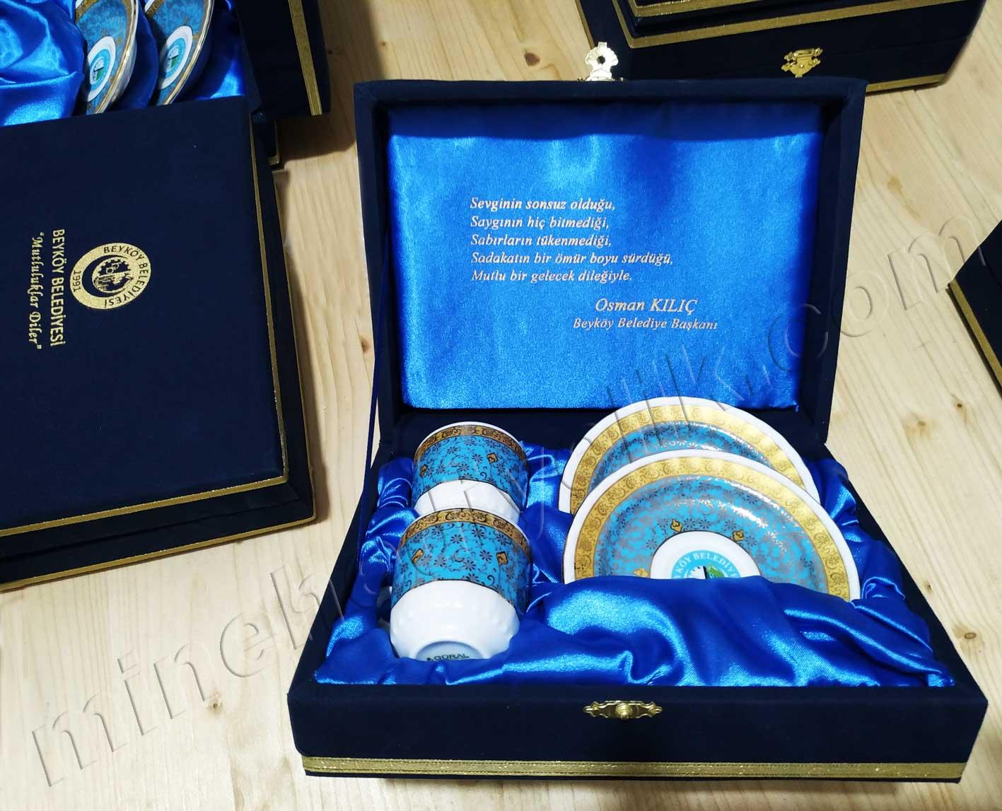 Belediyelere için düğün ve nikah törenleri için geleneksel ikili kahve fincan takımları firma logolu kahve fincanı
