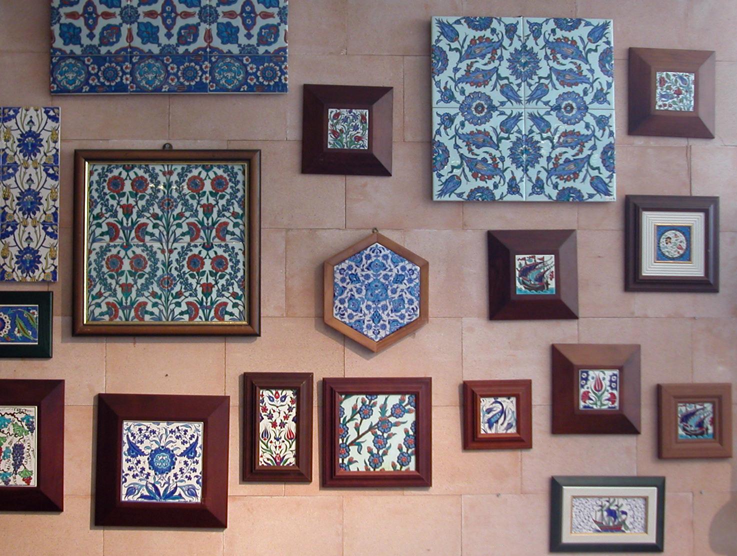 Klasik Osmanlı İznik ve Kütahya Tarzı Hediyelik Çini Panolar ve Karolar kurumsal hediyelik mimari restorasyon amaçlı çiniler