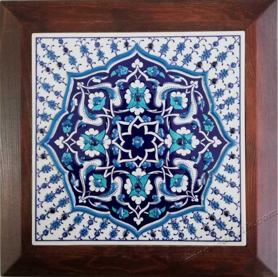 Mavi Beyaz Özel Tasarım Çini Karo Firmalara Yönelik Protokol Hediyeleri  Seramik El Yapım Duvar Panoları Hediyelik Dekoratif çiniler