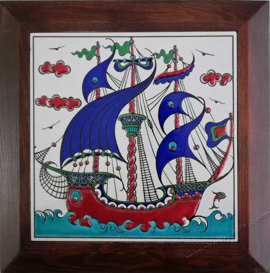 Denizciler İçin Hediyelik  El Yapımı Çini Panolar  Gemi Desenli , Kalyon Desenli, Yelkenli Desenli, Kalyon Desenli Çini Tablolar, Gemiciler için Kurumsal Hediyeler, Deniz Adamlarına Yönelik gemili , kalyonlu , yelkenli osmanlı  deniz konulu hediyelikler,corporate gifts for sailors traditional ottoman ceramic tiles panels, turkish gifts for foreigners, boxed traditional gifts, handmade corporate gifts kinds of promotional gifts