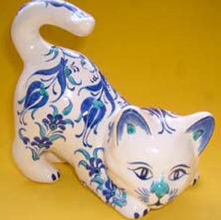 Çini ve Seramik Kedi Heykelcikleri Özel Tasarım ve Desenli Kedi şekilleri formları heykelleri hediyelik amaçlı hayvan figürleri Sevimli kediler sevimli hayvanlar