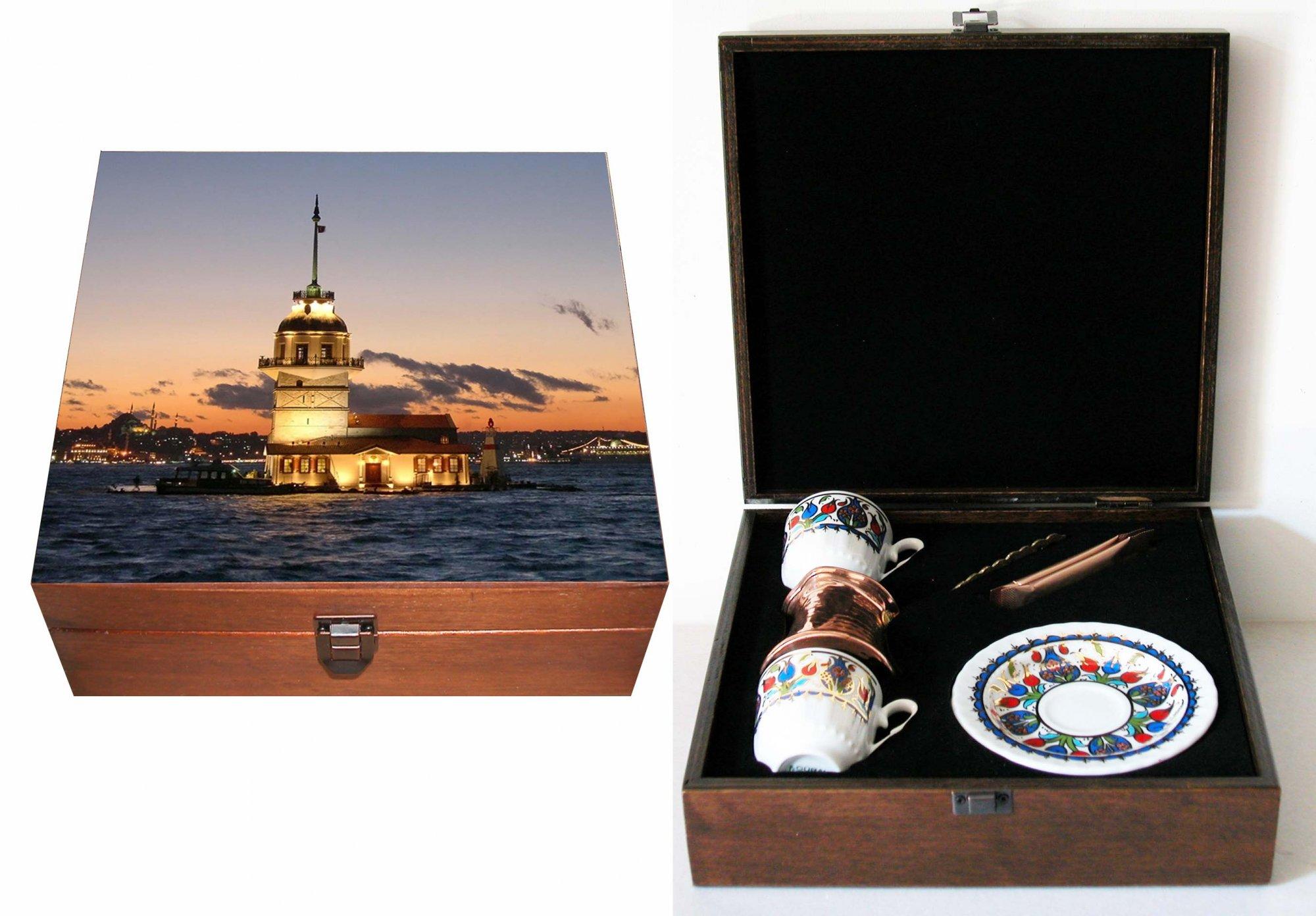 Türkiye ve İstanbul hatırası  hediyelik ikili kahve fincanı kız kulesi resimli